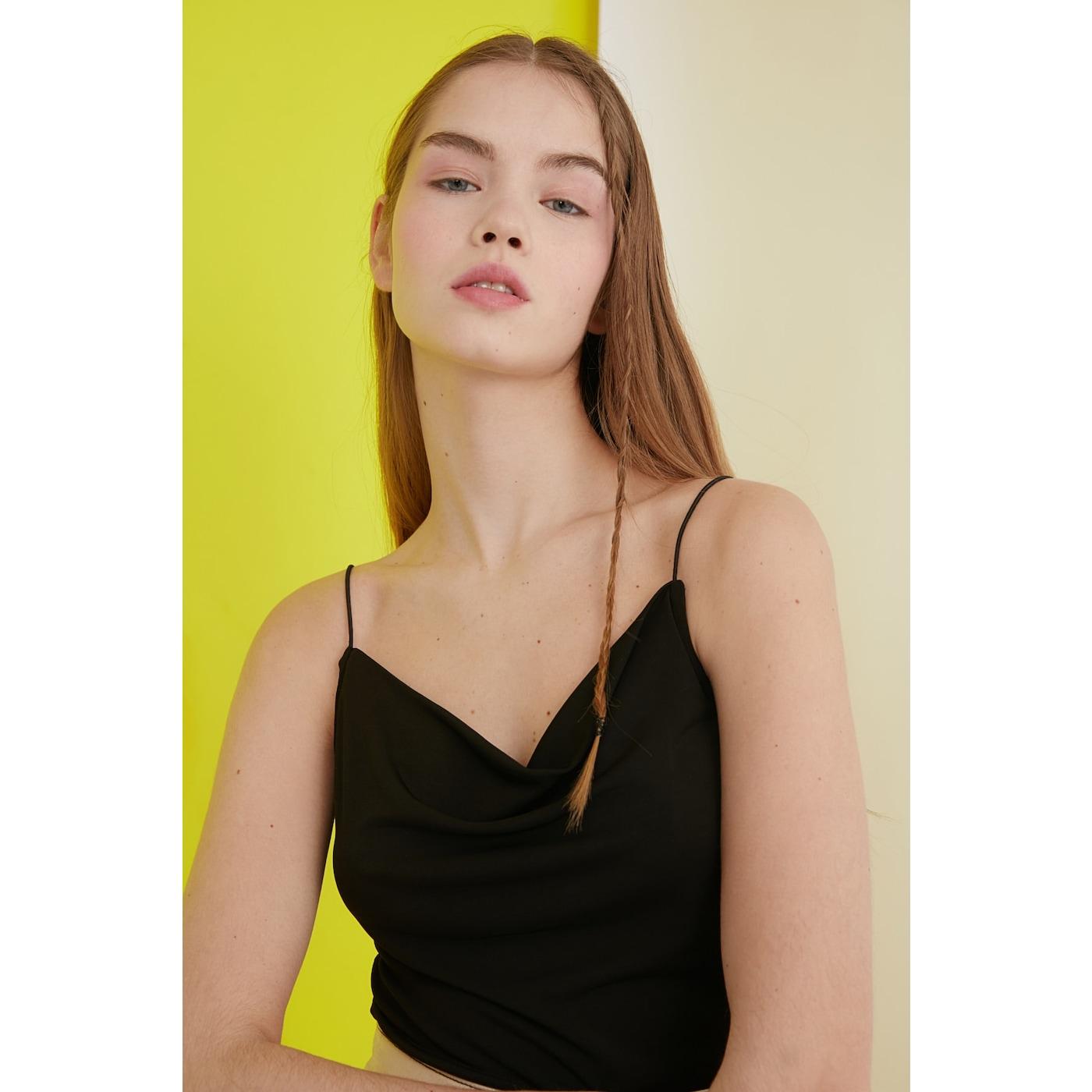 Trendyol Black Knitted Blouse dámské XS