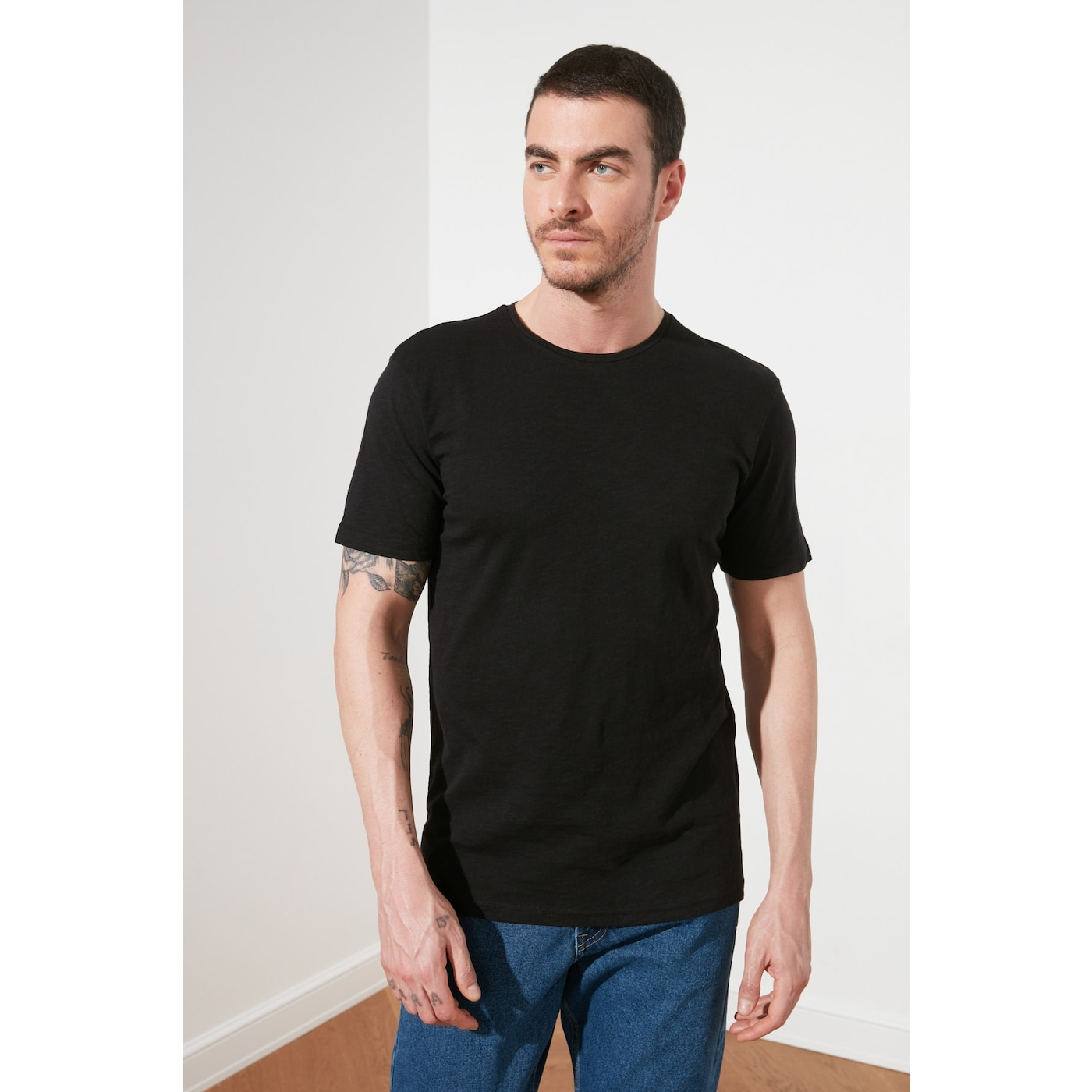 Trendyol Black Mens Regular Fit Bike Collar Short Sleeve Basic T-Shirt pánské S