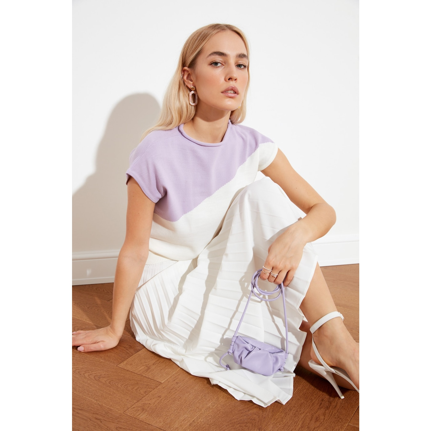 Trendyol Ekru Upright Collar Knitwear Blouse dámské Ecru L