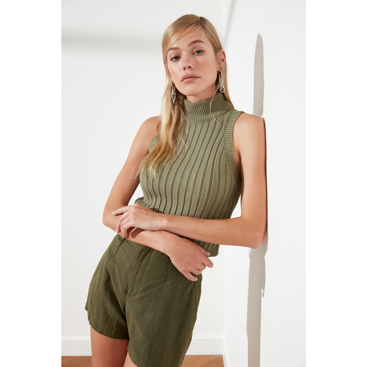Trendyol Haki Upright Collar Crop Knitwear Blouse dámské Khaki L