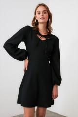 Trendyol Black Collar Detailed Dress dámské 40
