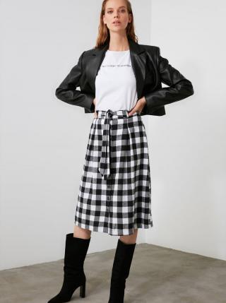 Bielo-čierna kockovaná sukňa Trendyol dámské XS