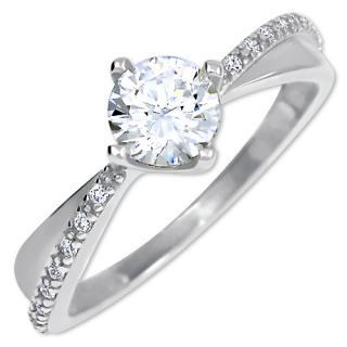 Brilio Zlatý dámsky prsteň s kryštálmi 229 001 00806 07 53 mm