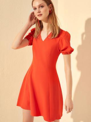 Červené šaty Trendyol dámské červená XXL