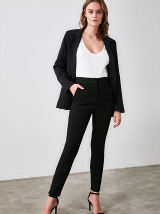 Čierne dámske skrátené skinny fit nohavice Trendyol dámské čierna XXL