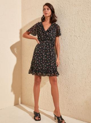 Čierne kvetované šaty Trendyol - M dámské čierna M