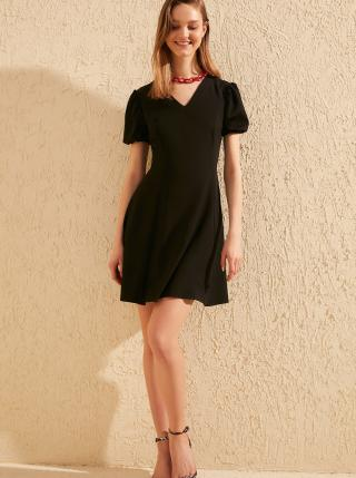 Čierne šaty Trendyol dámské čierna XL