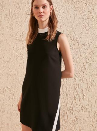 Čierne šaty Trendyol - XS dámské čierna XS