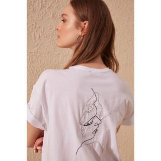 Dámske tričko Trendyol Embroidered dámské White M