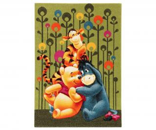 Koberec Winnie and Friends Hug 133x190 cm Zelená 133x190 cm