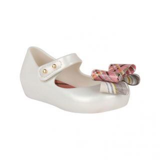 Melissa Ultrabow Vivienne Westwood Infant Pumps Cream C9