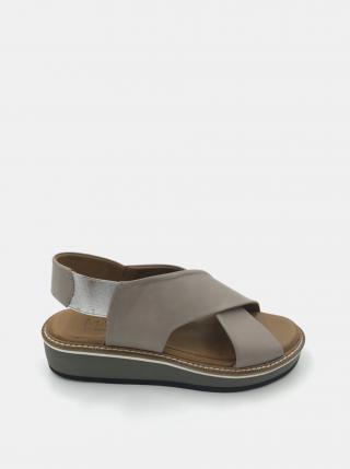Šedé kožené sandálky na platforme WILD dámské sivá 39