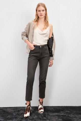 Trendyol Anthracite High Waist Mom Jeans dámské 38