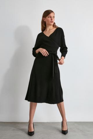 Trendyol Black Belt Cruise Neck Knit Dress dámské S