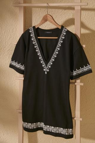 Trendyol Black Embroidered Knitting Dress dámské M