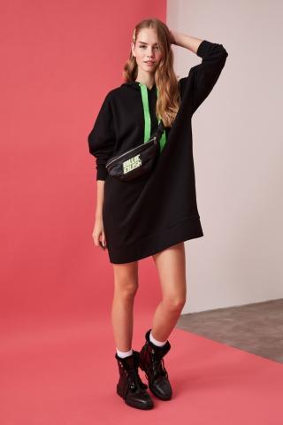 Trendyol Black Hooded Knitted Sweat Dress dámské XS