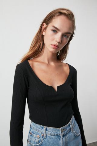Trendyol Black Wick Knitted Blouse dámské M