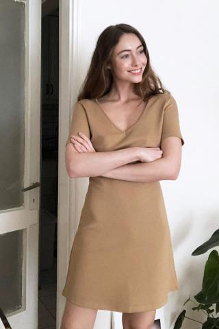 Trendyol Camel V Collar Knitting Dress dámské XS