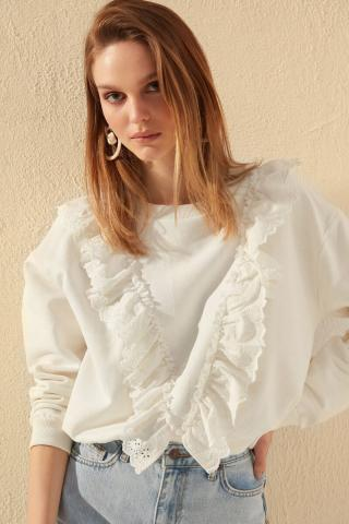 Trendyol Ekru Frill Detailed Basic Knitted Sweatshirt dámské Ecru XS