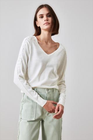 Trendyol Ekru Güpür Detailed V Collar Knitwear Sweater dámské Ecru S