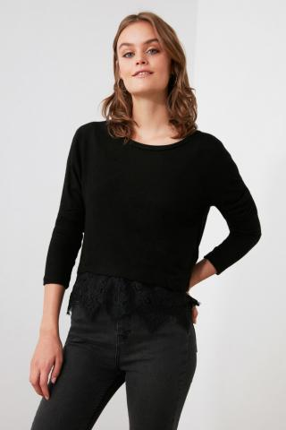 Trendyol Knitted Blouse with Black Yumosh Lace Detailing dámské XS