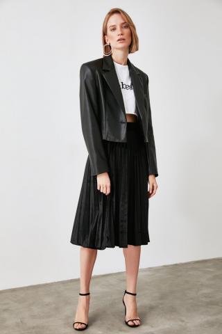 Trendyol Knitted Skirt with Black Pleat dámské S