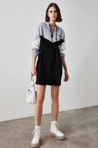 Trendyol Knitted Sweatshirt Dress WITH Black Binding DetailING dámské S