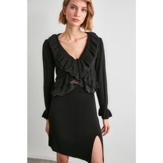 Trendyol Knitwear Cardigan WITH Black Flywheeing Lace Detail dámské S