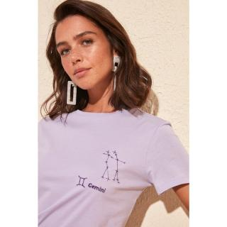 Trendyol Lila Gemini Burj Embroidered Basic Knitted Shirt dámské Lilac M