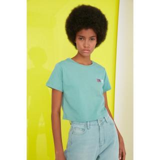 Trendyol Mint Embroidered Crop Knitted T-Shirt dámské S