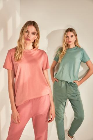 Trendyol Rose Dry Basic Knitted T-Shirt dámské XS