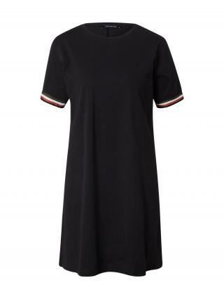 Trendyol Šaty  čierna / biela / červená / zelená dámské 34