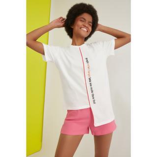 Trendyol Semifitted Asymmetrical Knitted T-Shirt WITH Ecru Print dámské XS
